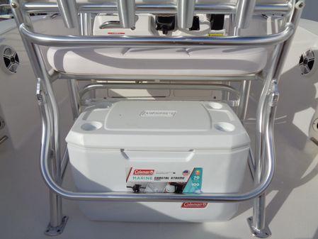 Robalo R200 Center Console image