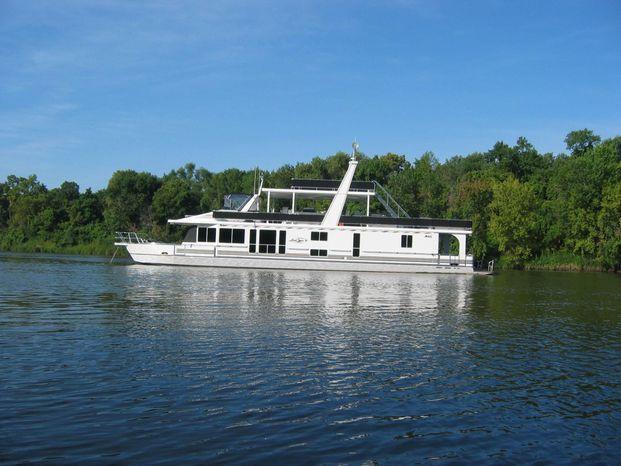 2003 Majestic 90X18 Tri Deck River Cruiser Brokerage Sell