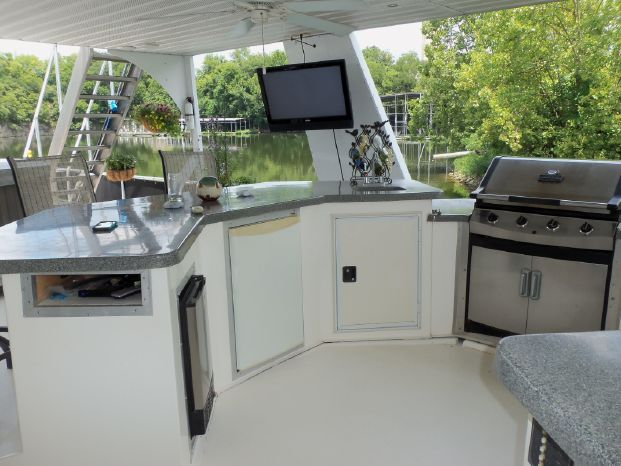 2003 Majestic 90X18 Tri Deck River Cruiser Brokerage New England
