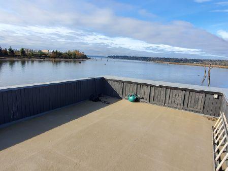 Houseboat 40' image