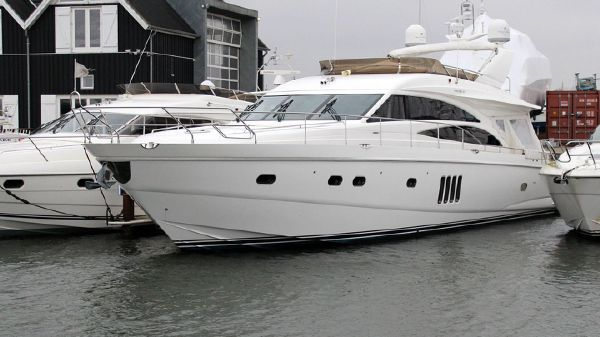 Princess 67 Flybridge