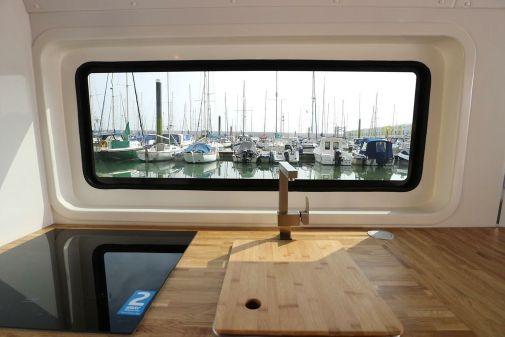 Marina Boats Inspiration 28 Floating Lodge image