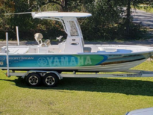 Sportsman Masters 247 Bay Boat - main image