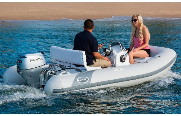 2017 Walker Bay 325 STX Console