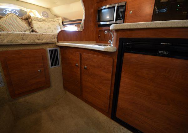 Rinker 320 Express Cruiser image