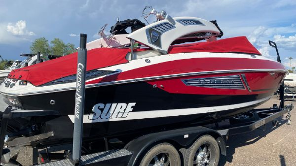 Regal 25 SURF