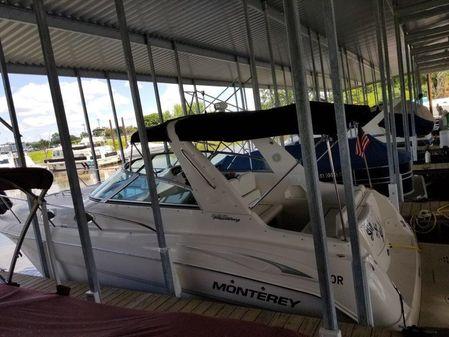 Monterey 282 Cruiser image