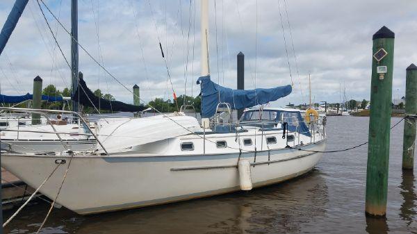 Pacific Seacraft 37