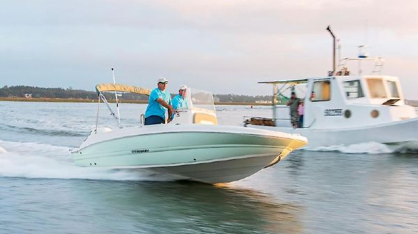 Stingray 186 Center Console Deck Boat