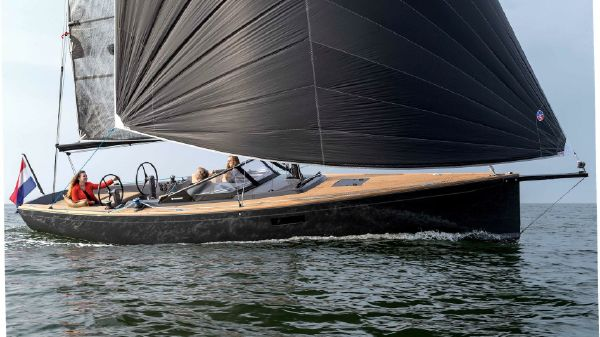 Saffier SE 33 UD Underway in full sail