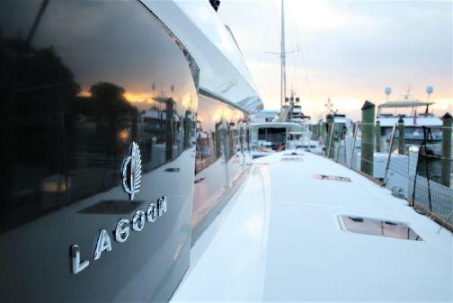 Lagoon 620 image