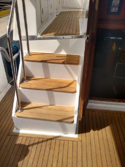 Marine Trader sundeck trawler image