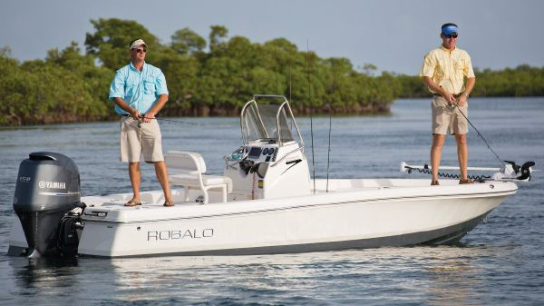 Robalo 206 Cayman Manufacturer Provided Image