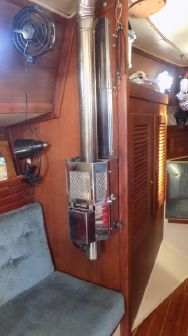 Pacific Seacraft 37 image