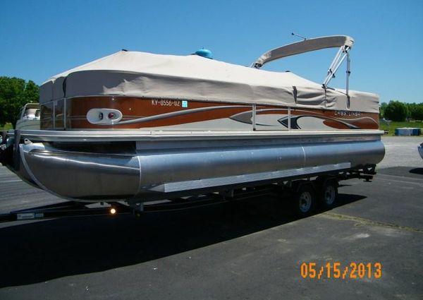Crestliner 2585 Grand Caymen image