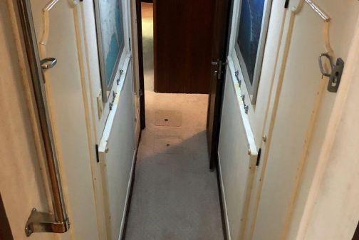 Hatteras Extended Deckhouse Hardtop image
