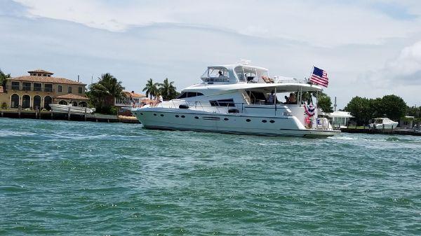 Johnson Motor Yacht 70