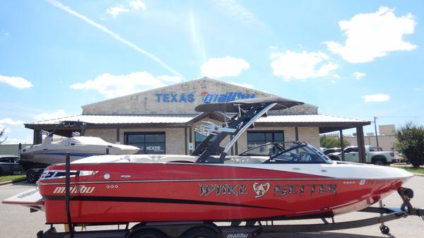 Malibu 247 LSV