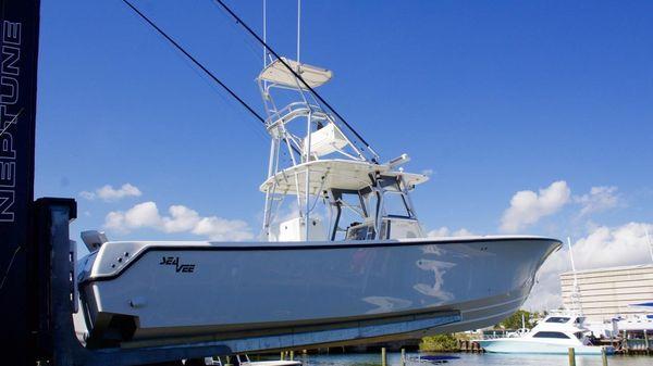 SeaVee 390
