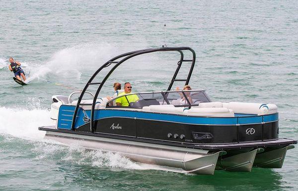 2019 Avalon Catalina Platinum Windshield - 27'