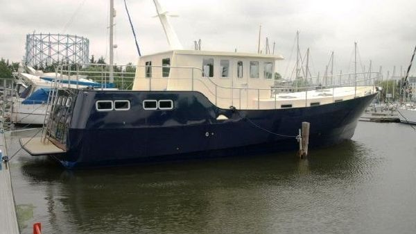 Houseboat Steel Trawler