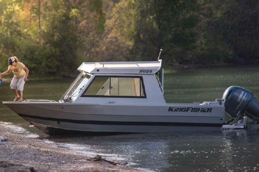 KingFisher 2025 Escape HT image