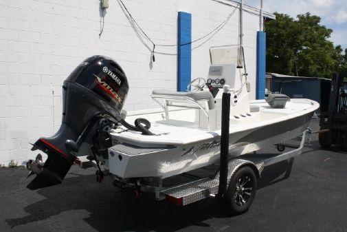 Avid Boats 19FS image