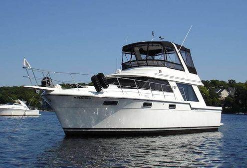 Carver 4227 Cockpit Motor Yacht image