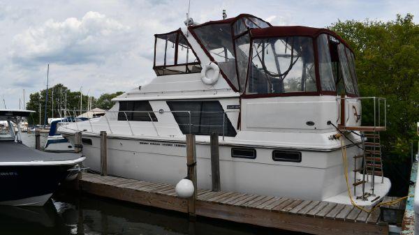 Carver 4207 Motor Yacht