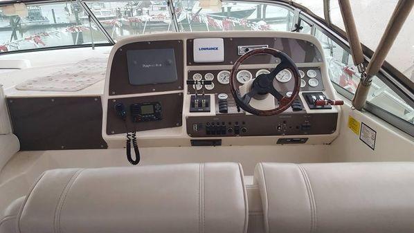Cruisers Yachts 3570 Esprit image