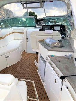 Rinker 310 Express Cruiser image