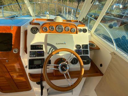 Hunt Yachts Surfhunter 29 image
