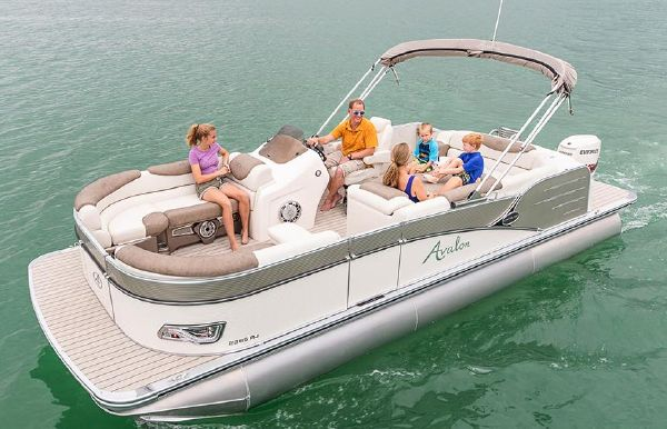 2019 Avalon Catalina Rear J Lounge - 27'