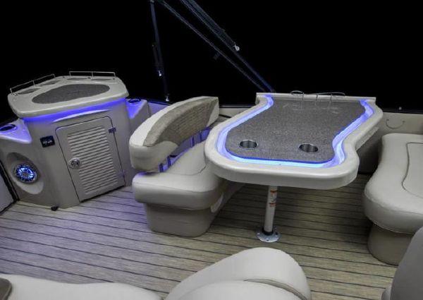 Avalon Catalina Platinum Entertainer - 27' image