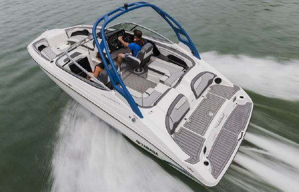 2018 Yamaha Boats 212 Limited S