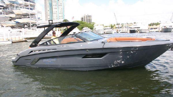 Cruisers 338 South Beach Edition