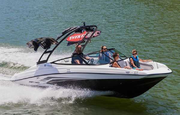 2018 Yamaha Boats AR190
