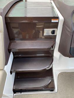 Regal 32 Express image