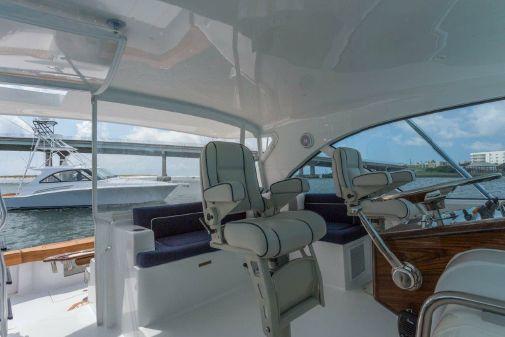 Hatteras GT45 Express Bridge image