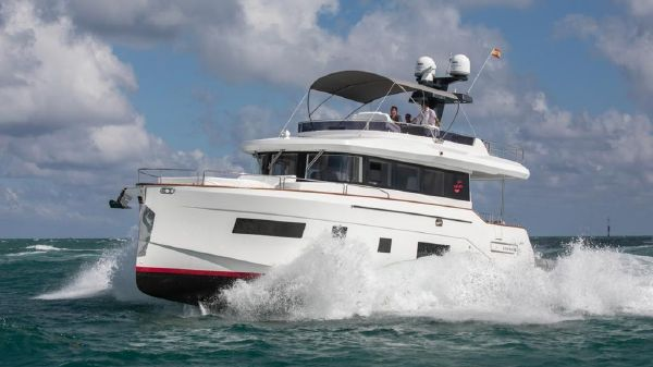Sirena 58 Fly Bridge Motor Yacht