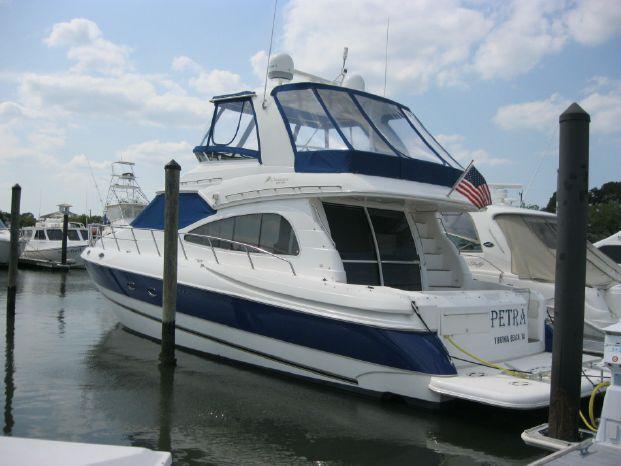 2003 Cruisers Yachts