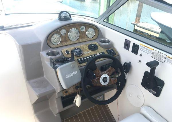 Rinker 270 Express Cruiser image