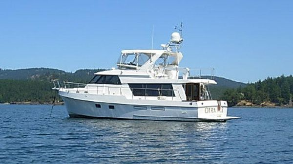 Ocean Alexander Classico Pilothouse At Anchor