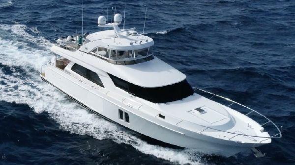 Ocean Alexander Motor Yacht Flybridge