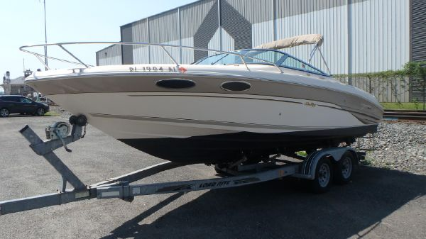 Sea Ray 230 signature select