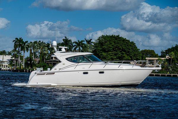Tiara Yachts 4500 Sovran - main image