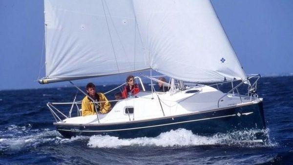Jeanneau 2000 Comfort Version. Fun beat to windward. Courtesy Jeanneau marketing.