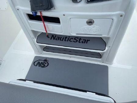 NauticStar 2302 Legacy image