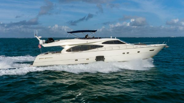 Ferretti Yachts 780 Fly bridge