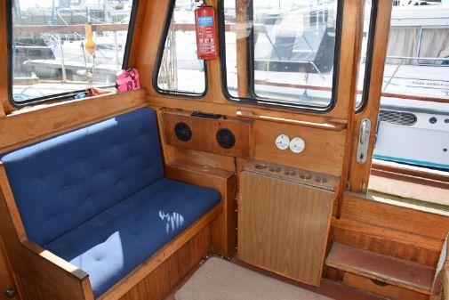 Nauticat 33 image